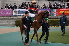 20200215 東京11R クイーンC(G3) 3歳牝馬OP ホウオウピースフル 13