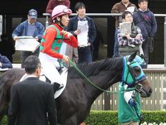 20151123 東京1R 2歳未勝利 アイルーロス 06