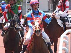 20160618 阪神8R 3歳上牝馬500万下 レーヌドブリエ 27