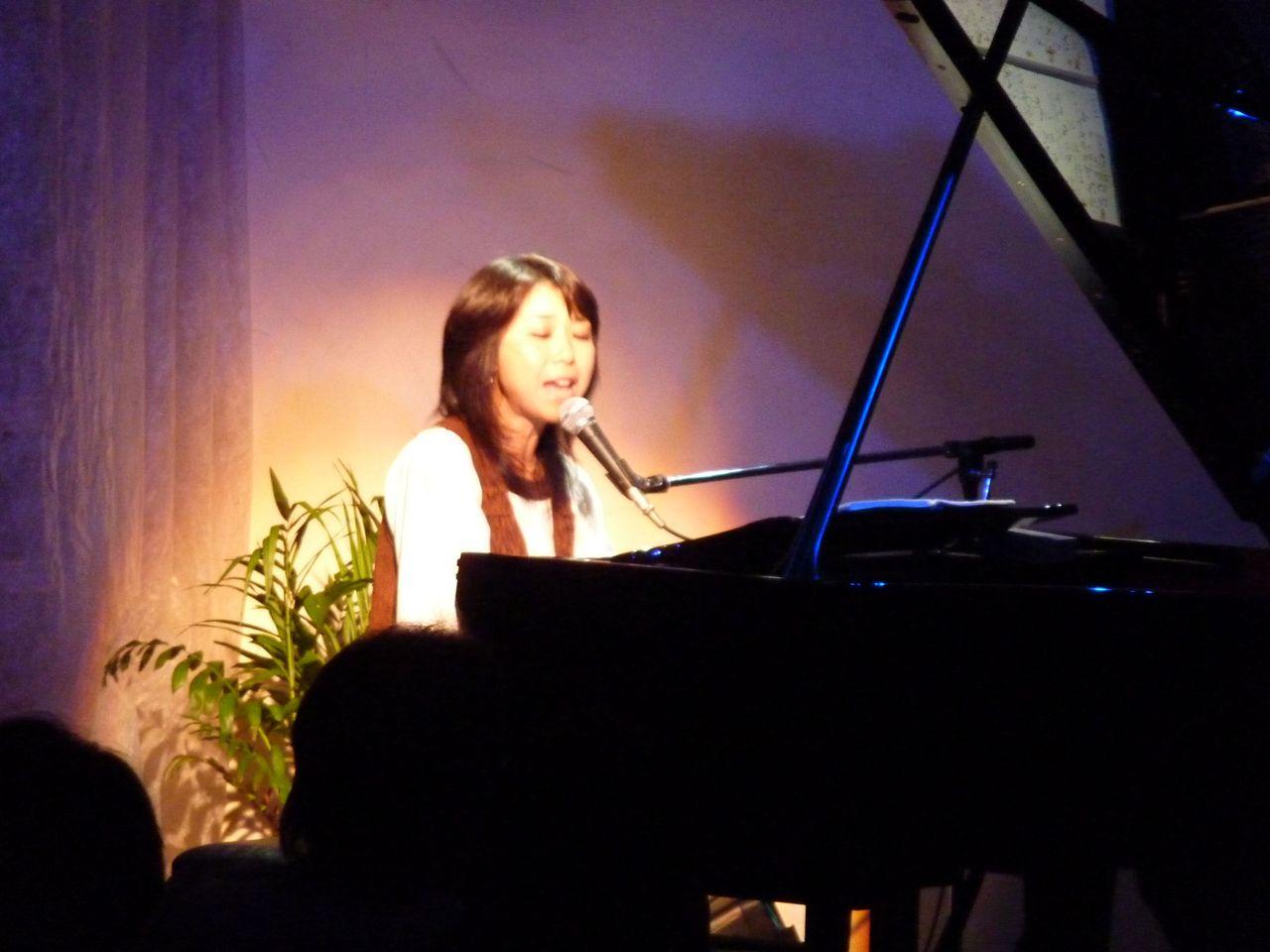 沢田聖子ピアノ