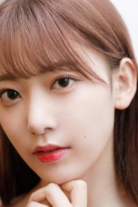 【速報】宮脇咲良さんが『VOGUE GIRL』でメイクの秘密などを大公開!