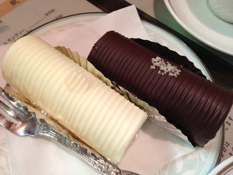 浅草アンヂェラスのケーキチョコロール