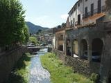 1週間前までに降った大雨でポレラ村の川の水量も上がっていました。