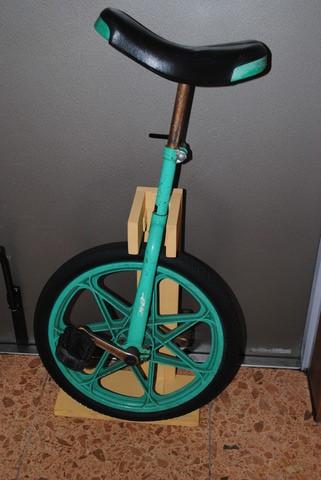 一輪車スタンド4