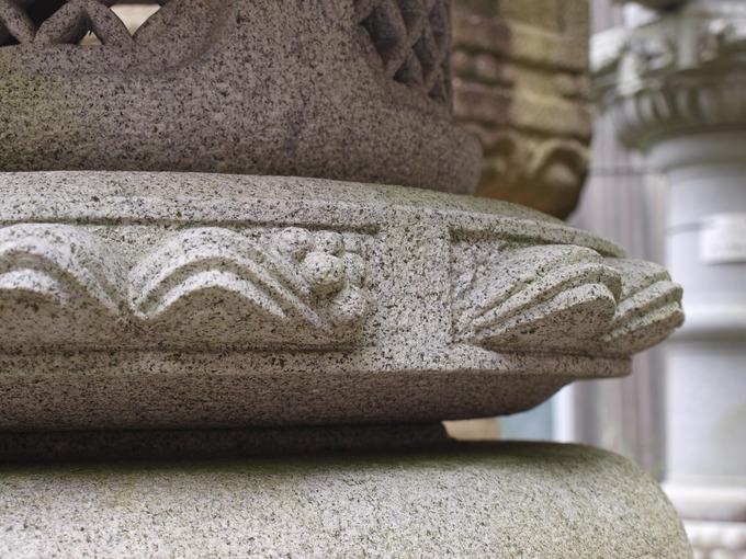 石燈籠の向き(丸雪見受)1