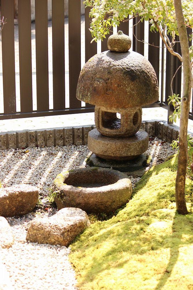 【設置事例】苔と灯篭のお庭