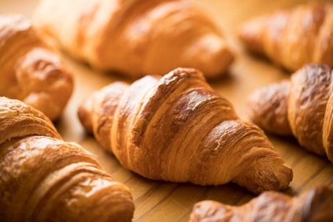 1705_90_croissant_01-2-1010x673