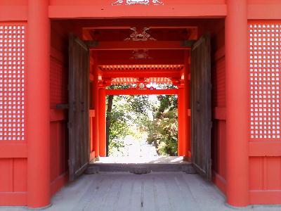楼門から参道