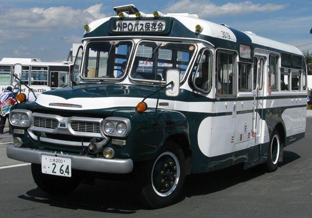 ボンネットバス いすゞBXボンネットバスこれは茨城県からはるばると来ていました。このボン...
