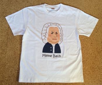 BachのTシャツ