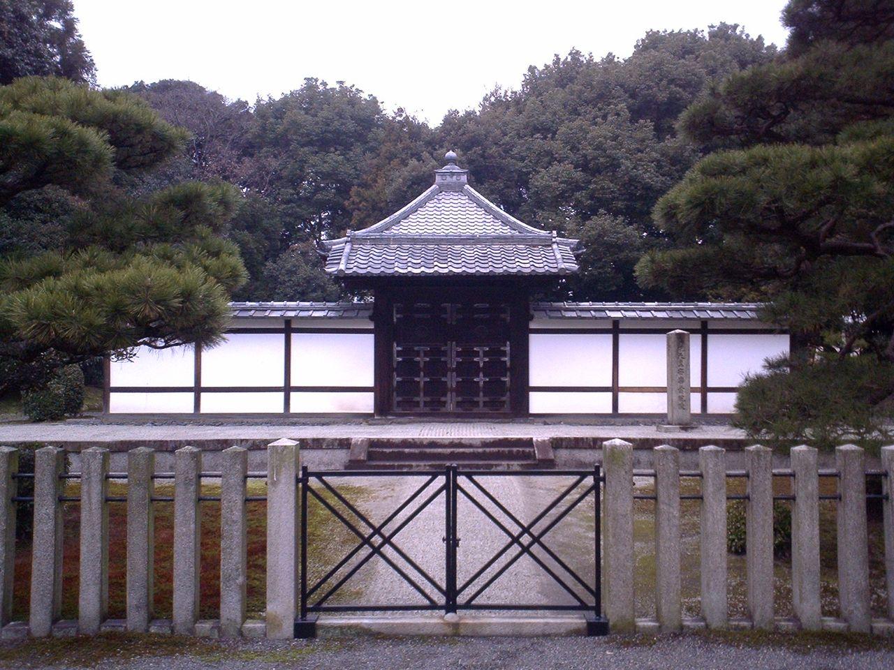 鳥羽天皇陵 : 城とか陵墓とか
