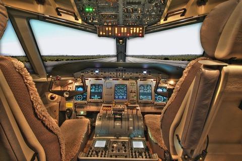 cockpit-100624_960_720