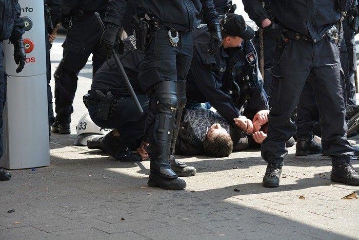 逮捕 死亡 四日市 事件 誤認 ジャスコ