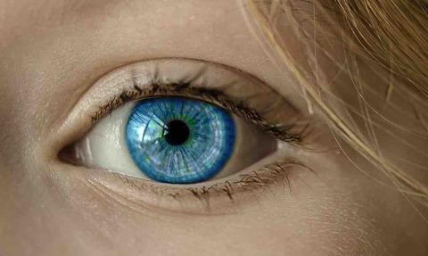 欧米人(白人)の目はなぜ青い?人体雑学