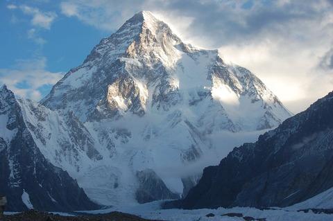 世界第2位の山「K2」。登山者の死亡率がヤバいぞ