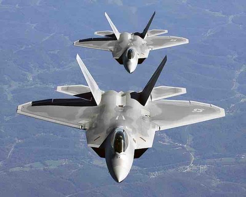最強すぎ!世界最強の戦闘機「F-22ラプター」がすごい