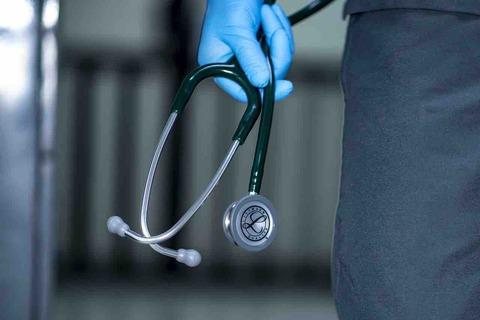 聴診器は、医師の女性患者への「恥じらい」がきっかけで誕生したよ