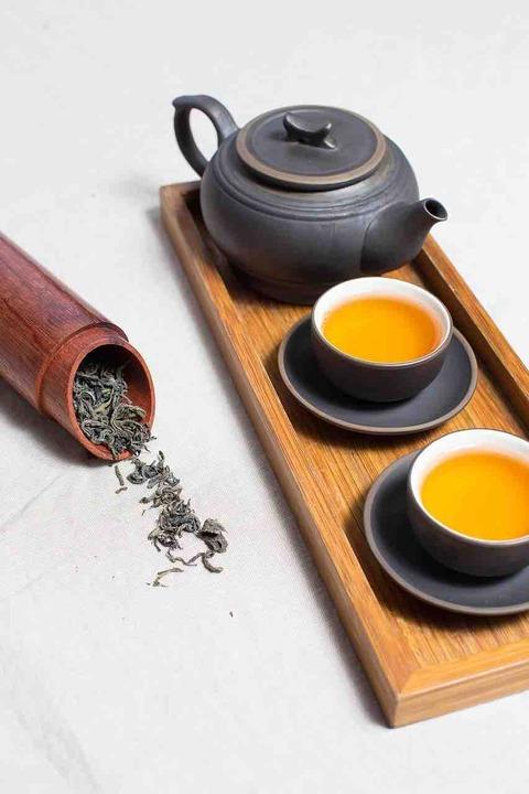 食事中のお茶は、鉄分(栄養)の吸収を阻害するよ