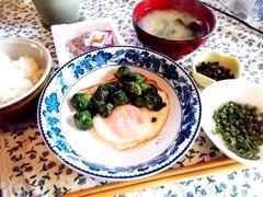 170122質素な朝食・ジャガイモ芽キャベツワケギ紫蘇の実漬が畑の恵み