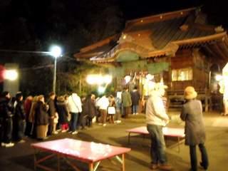 神明神社 初詣の列