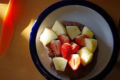 091201パンケーキ イチゴ&リンゴのせ