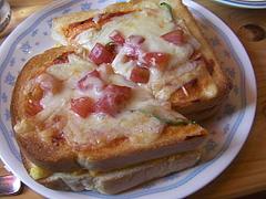 090813スクランブルエッグトースト