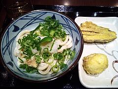 100419生醤油おろしうどん&半熟卵天、茄子天@丸亀製麺