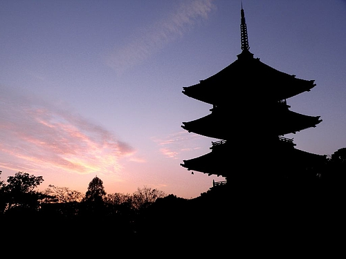 薄暮の興正寺