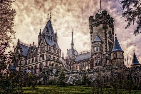 castle-drachenburg-3112193_640