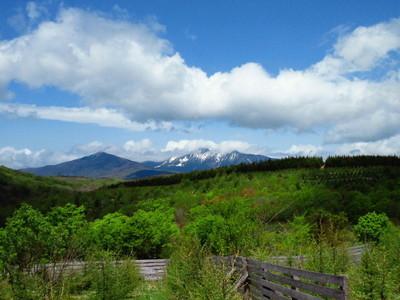 荒川高原から見た早池峰山