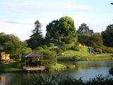 岡山後楽園に浮かぶ名城
