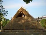 「津島遺跡」竪穴式住居