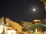恵比寿ガーデンプレイスを照らす 中秋の名月