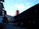 町屋通りと五重塔(豊国神社 千畳閣に隣接)