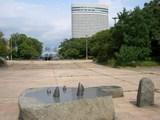 神戸ポートピアホテルを望む ポートアイランド南公園