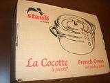 staub(ストウブ)社 ココット・オーバルの外箱