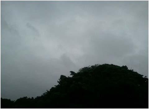 怪しい空模様