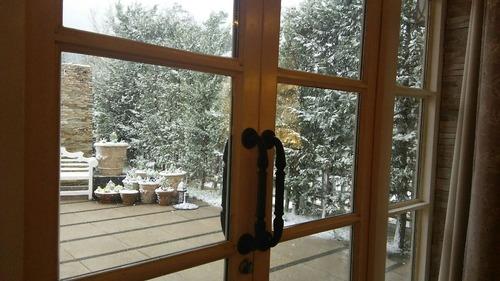外は雪 (1)