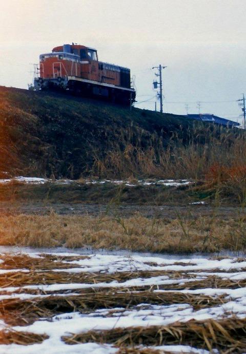 TDE105 s-樽見鉄道圧縮