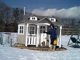 雪の公園/小さな家