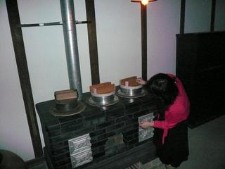 博麗神社のキッチンが洋風な理由