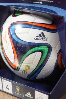 サッカーボール(ワールドカップの4号レプリカモデル軽量タイプ)