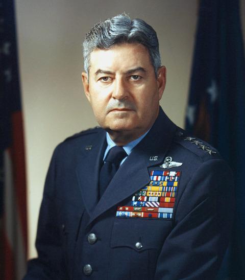 Curtis_LeMay_(USAF)