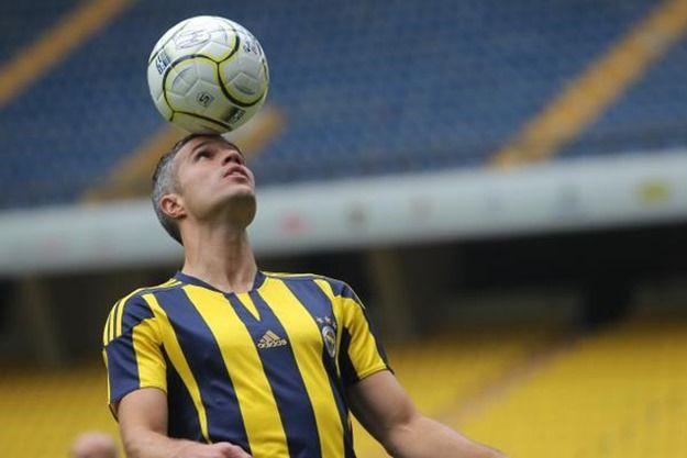 ファン・ペルシー、フェネルバフチェへの移籍を公式発表 クラブはトルコ2位