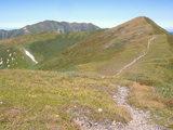 寒江山(右)までひと登り