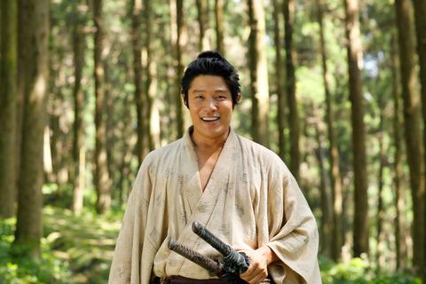 鈴木亮平主演「西郷どん」鹿児島弁がネットで話題に!!