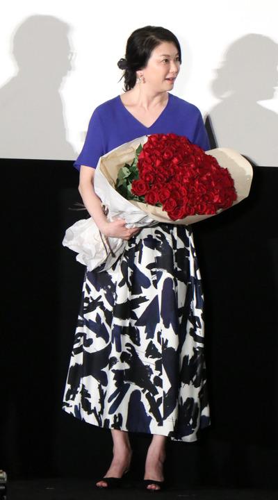 夏川結衣:「家族はつらいよ3」で主役「大変なことになった」 夫から100本のバラを贈られ…
