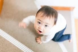 【悲報】2歳のこども寝かしつけてラーメンくいに行った結果wwwwwwwwwwww