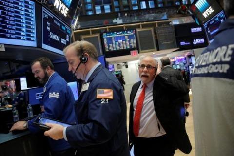 米国市場は続落して年内終了