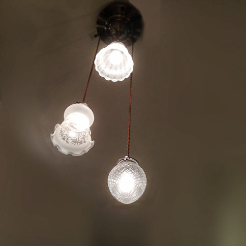 サンヨウ 3灯のペンダントランプ